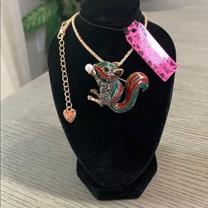 Betsey Johnson Squirrel Pendant Necklace 🐿🆕🐿